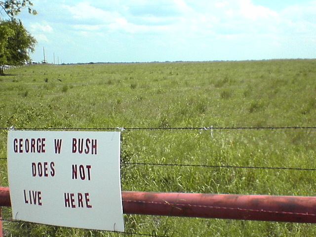 George_w_bush_doesnt_live_here